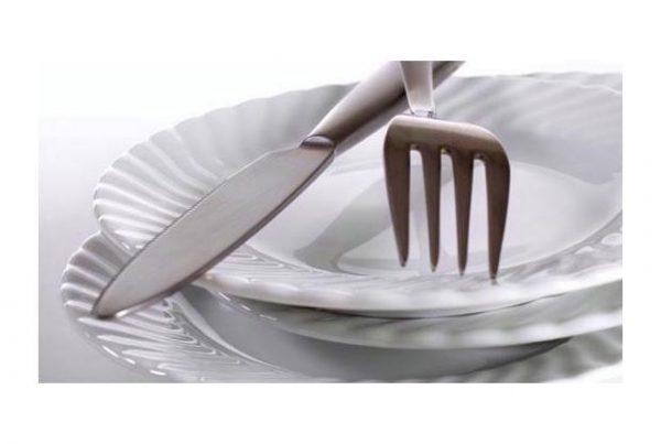 Bord - vork - mes en servet (wij doen de afwas)