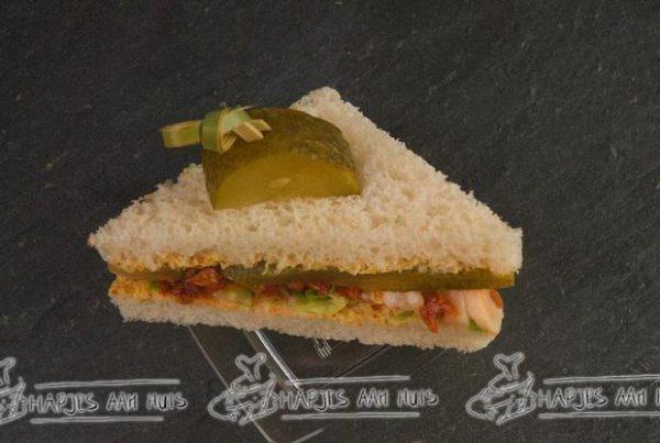 Mini sandwich gerookte forel