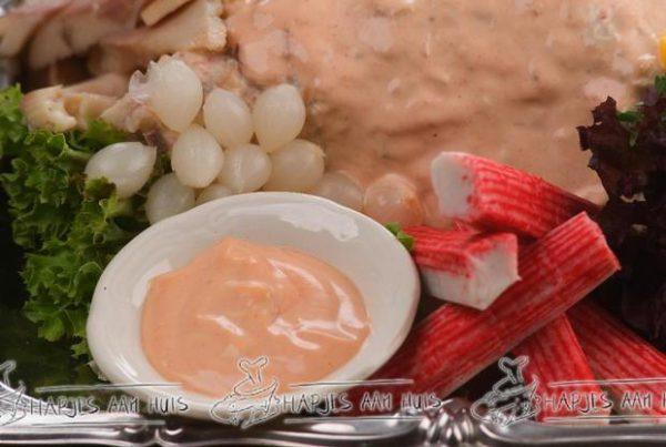 Opgemaakte visschotel als maaltijd