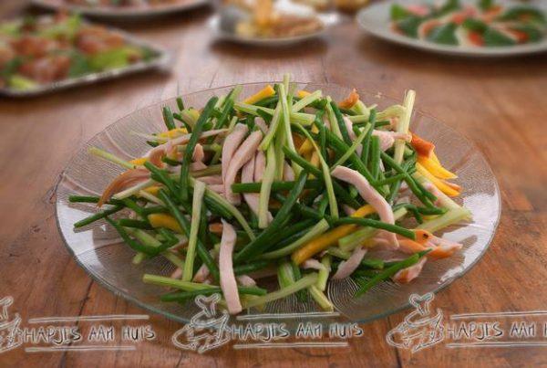 Salade gerookte kip als hapjes